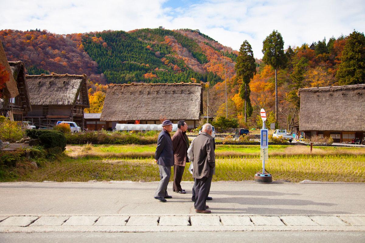 """IMG_8574 """"Japoneses"""" com a EOS 5D Mark II + EF 24-105mm f/4L IS USM em f/4 1/500 ISO125 @ 32mm; flexibilidade zoom para qualquer situação, de paisagens a fotografia de rua."""