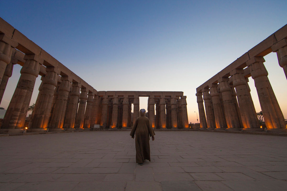 """""""Luxor""""  com a EOS 5D Mark II + EF 14mm f/2.8L II USM em f/8 1/90 ISO400;"""