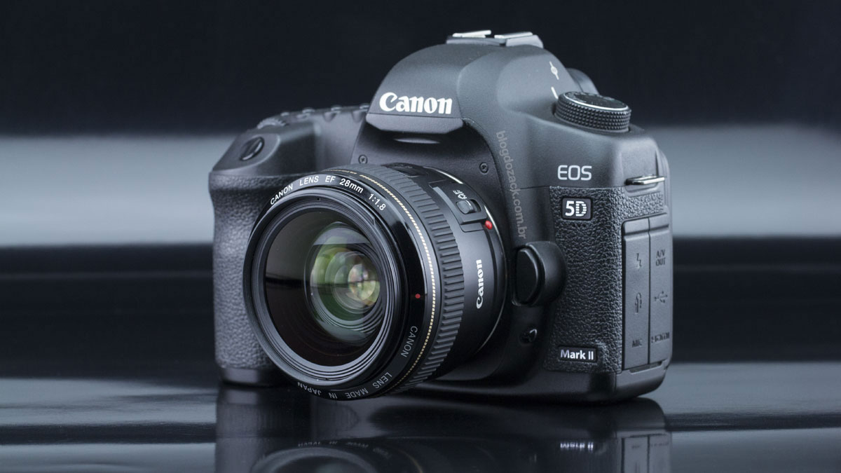 Canon EF 28mm f/1.8 USM Lens EOS 5D Mark II