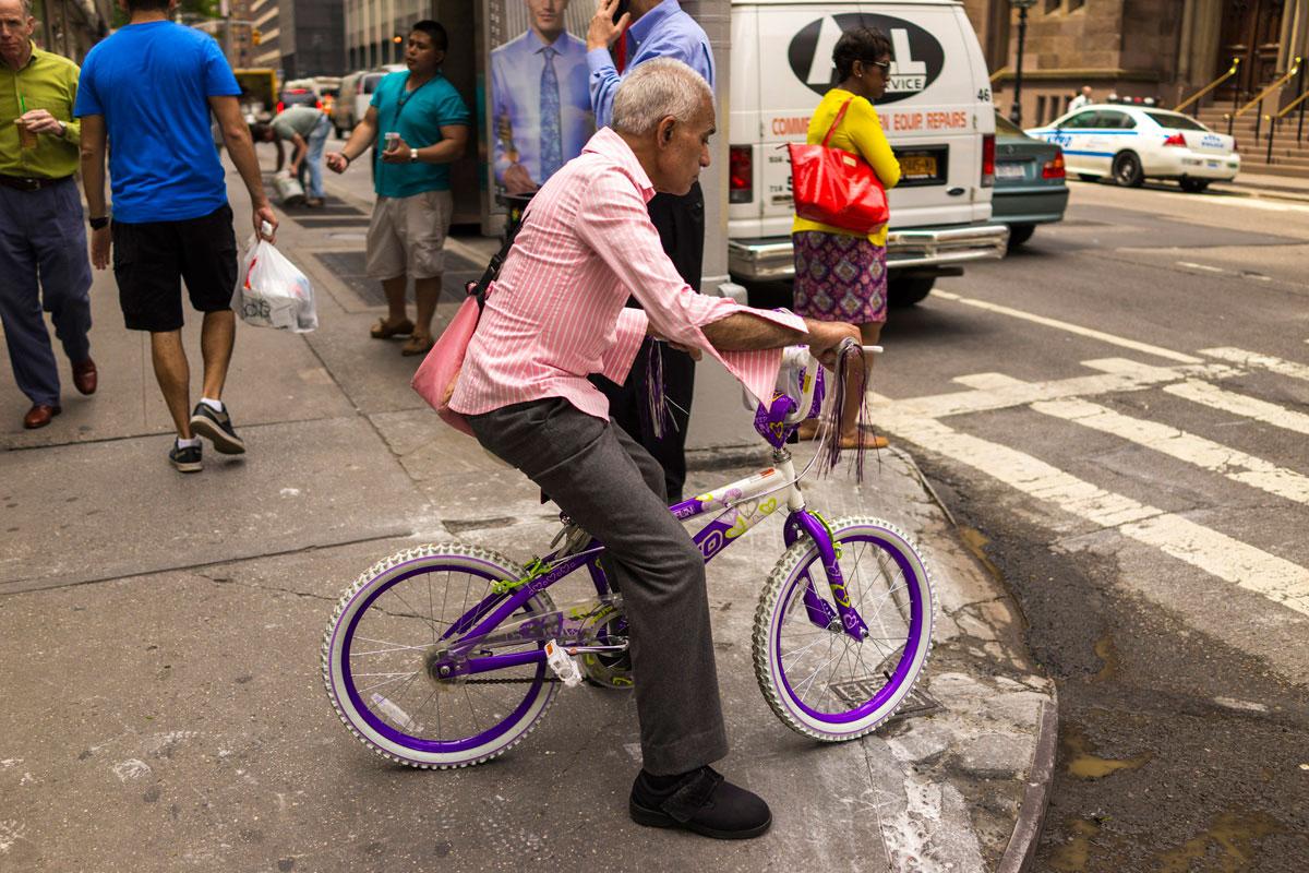 """""""pink"""" em f/2 1/2000 ISO100, excelente para fotografia de rua."""