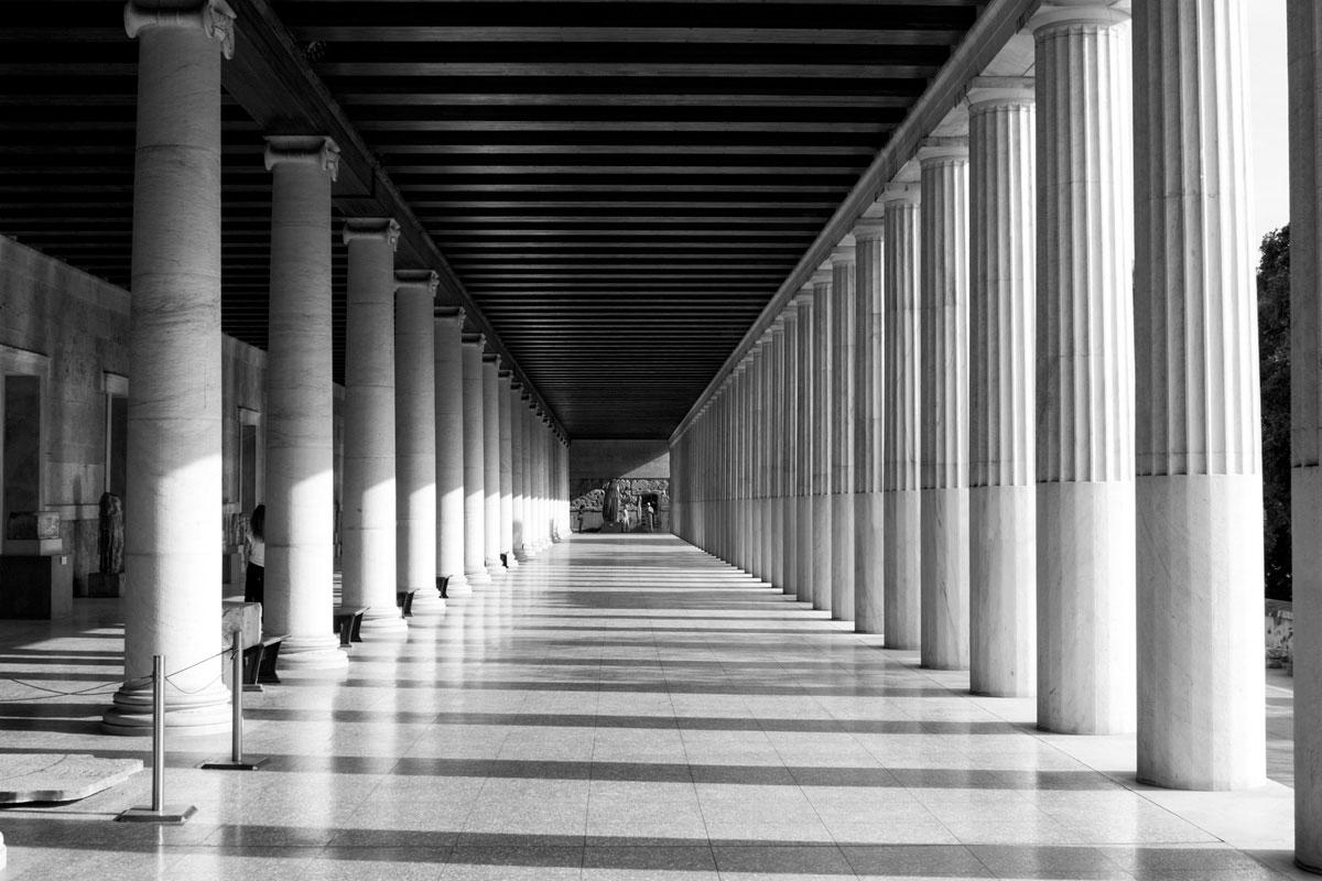 """""""Colunas"""" com a EOS-M em f/8 1/125 ISO100, distorção praticamente invisível no dia a dia. Download raw. http://www.blogdozack.com.br/RAW/EF28MMF18USM/IMG_1948.CR2"""