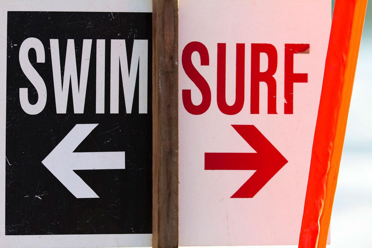 """""""Swim/surf"""" com a EOS 60D em f/2.8 1/750 ISO100."""