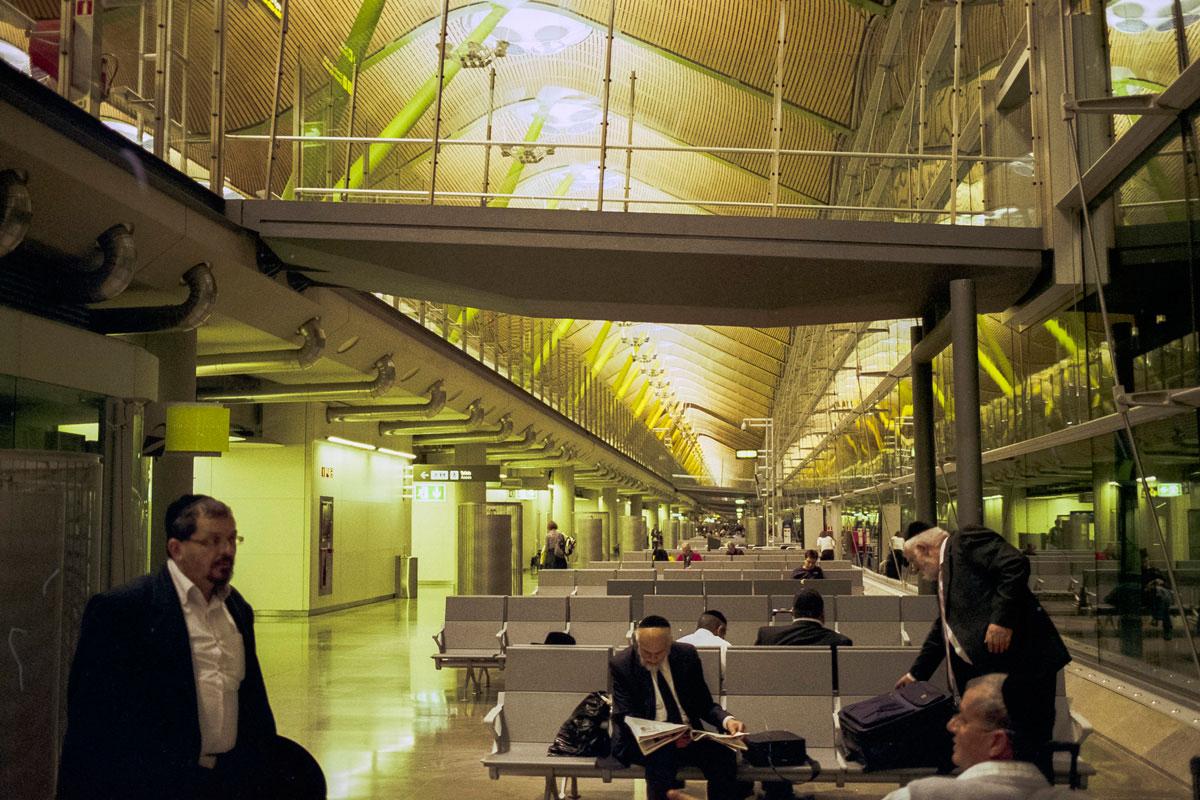 """""""Terminal 3"""" com a EOS Elan 7E e Fuji Superia 200."""