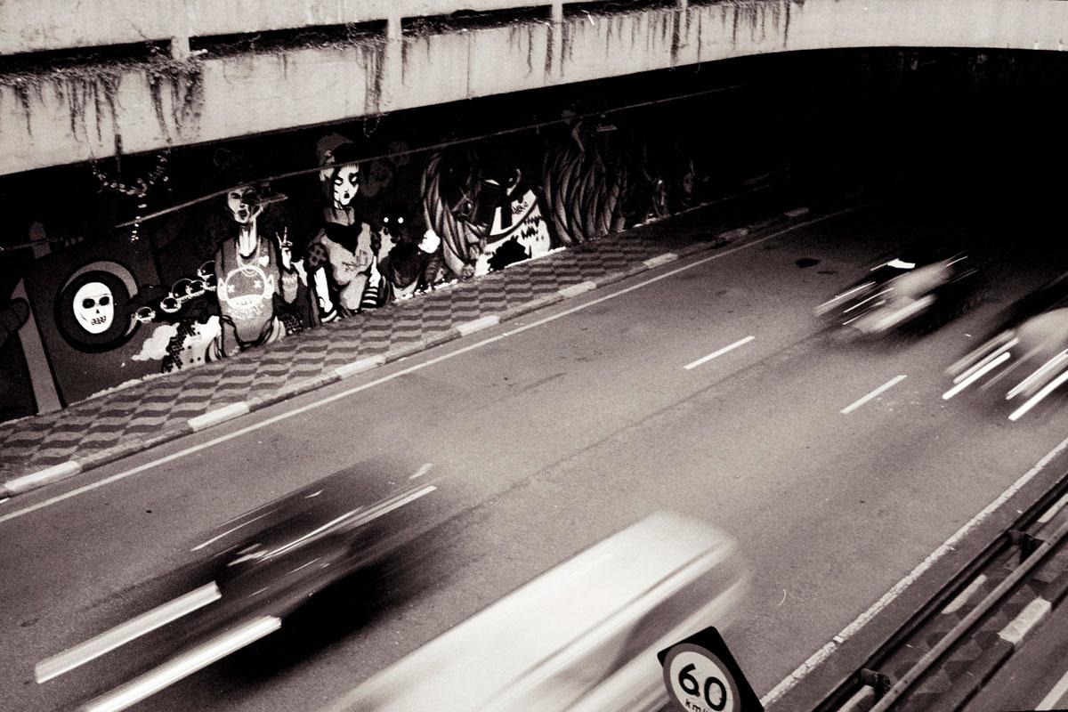 """""""Viaduto"""" com a EOS Elan 7E e Kodak Portra 800."""