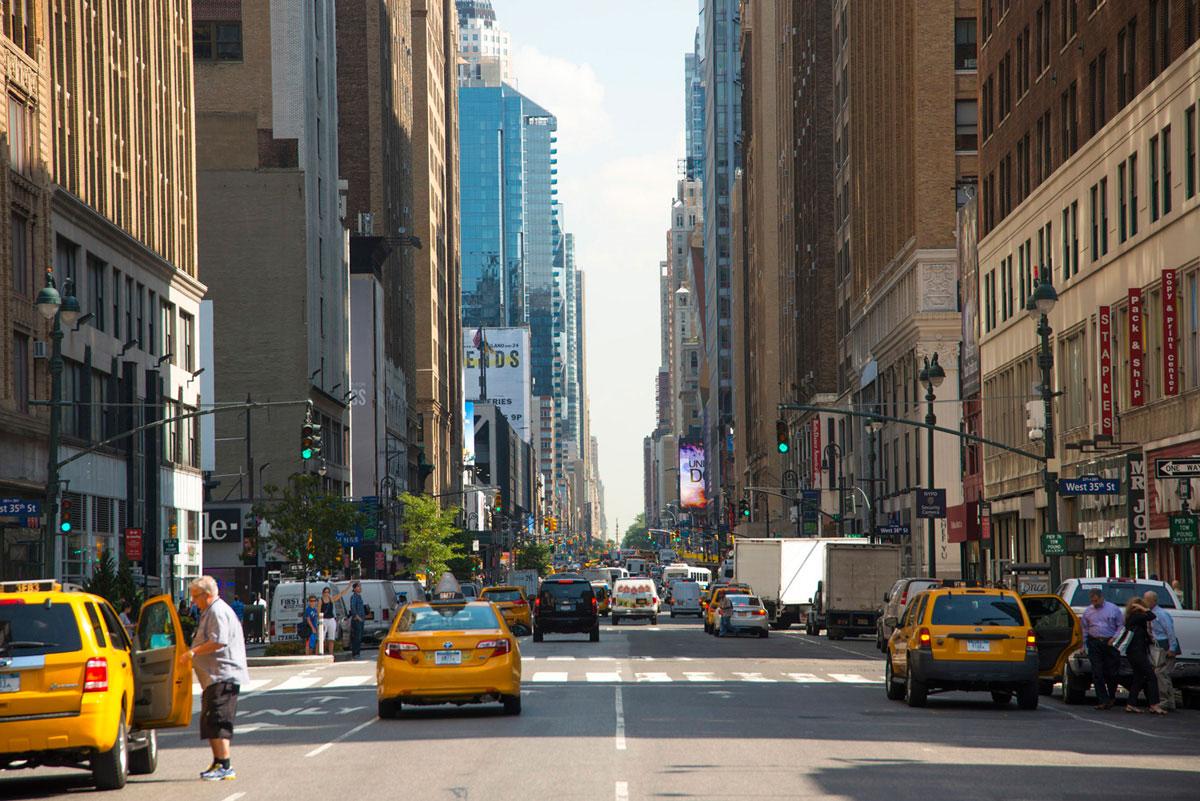"""""""8ave"""" em f/6.7 1/350 ISO100 @ 105mm; telephoto bacana para composições na cidade."""