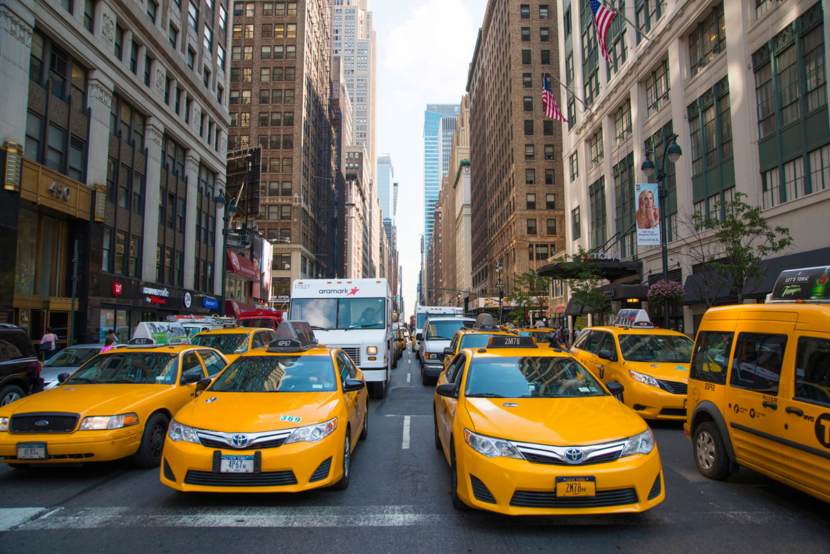 """""""Taxi"""" em f/6.7 1/180 ISO100 @ 24mm."""