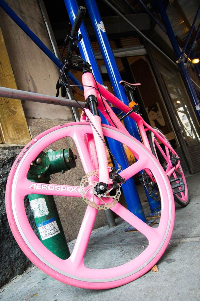 """""""Bike"""" em f/5.6 1/90 ISO800 @ 24mm."""