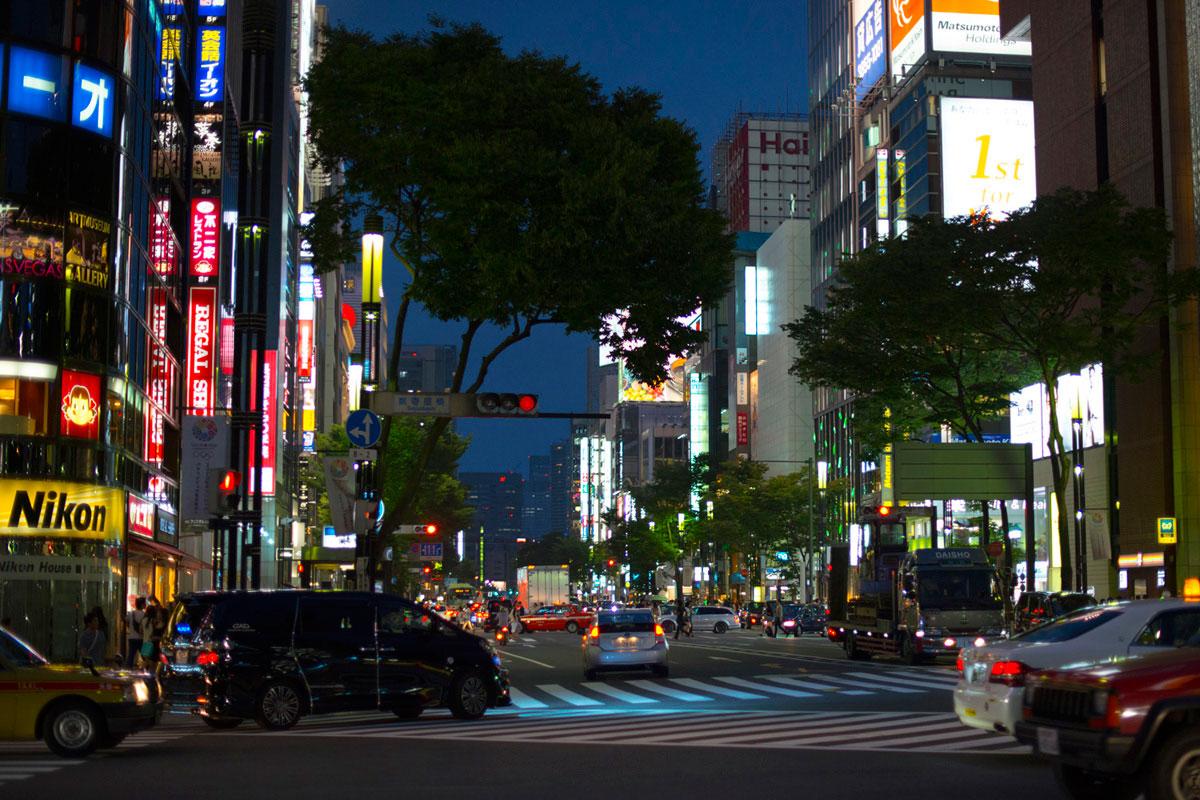 """""""Tokyo"""" em f/1.8 1/400 ISO1600."""