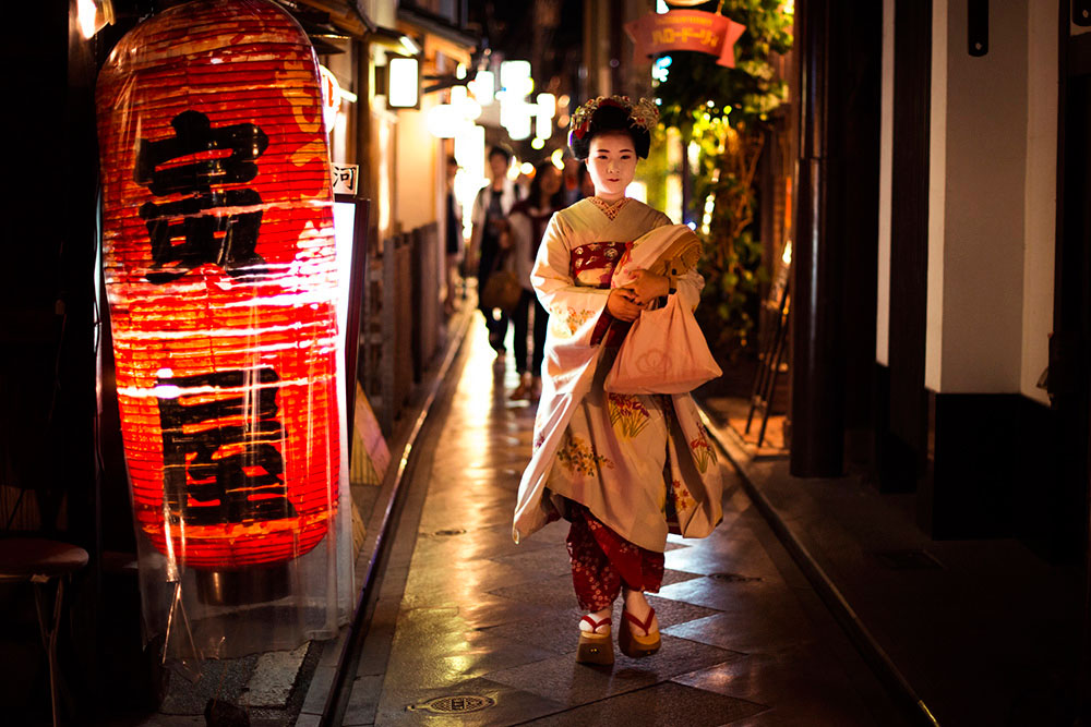 """Geiko"" at f/1.4 1/200 ISO1600."