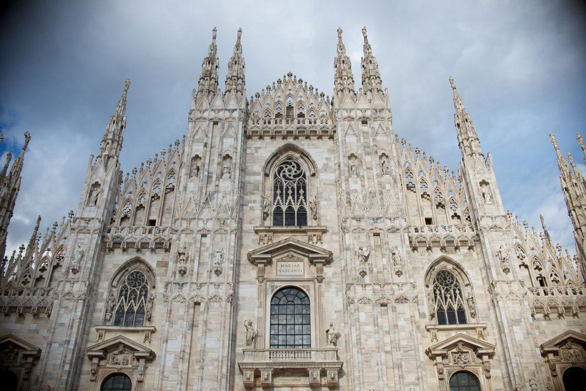 """""""Milano"""" with the D800E em modo FX at/5.6 1/400 ISO100; lentes DX mostram vinheta acentuada em modo """"FX""""."""