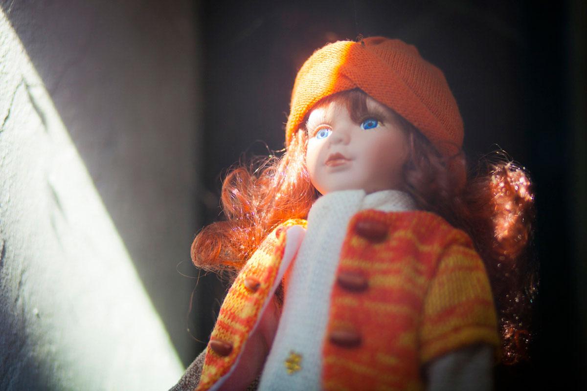 """""""Doll"""" at f/1.8 1/400 ISO400."""