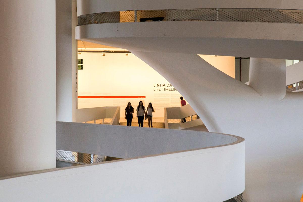 """Bienal 2"" em f/13 1/15 ISO1600 @ 70mm."