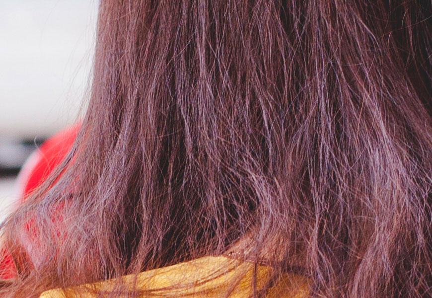 100% crop, detalhes finos em fios de cabelo…