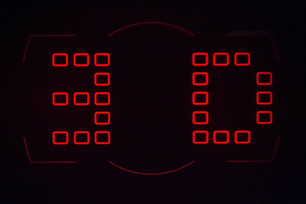 """""""Viewfinder"""" em f/2.8 1/30 ISO12800; onde não há luz, não há ruídos."""