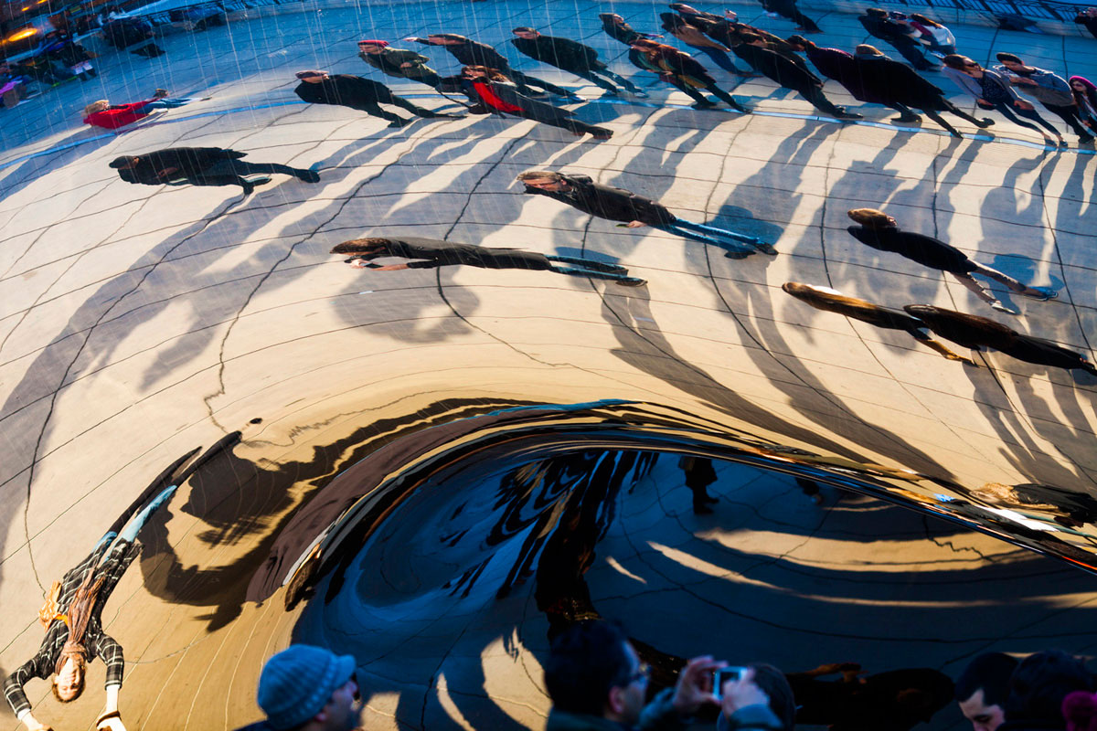 """""""Cloud Gate"""" at f/4 1/400 ISO200."""