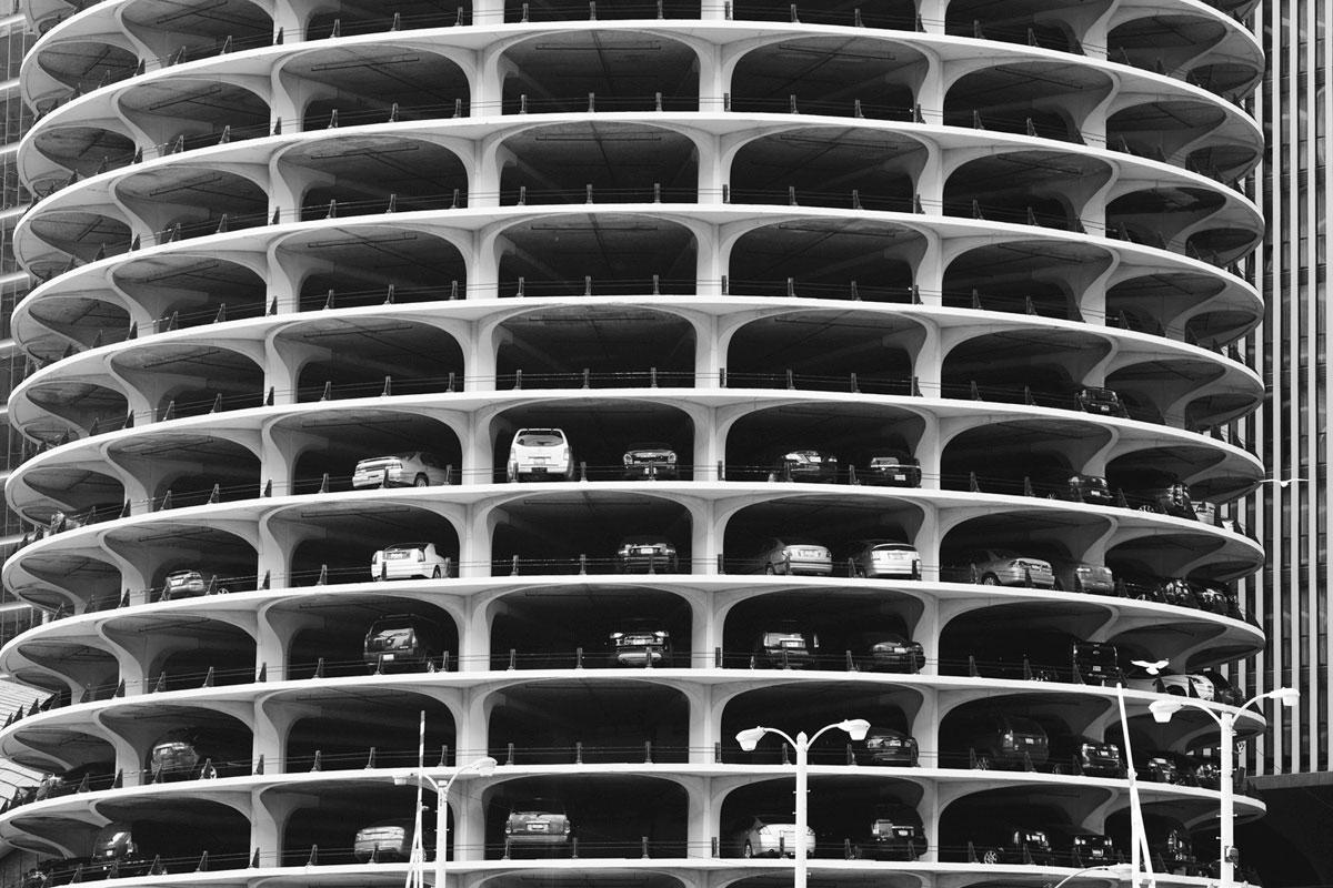 """""""Parking"""" em f/5.6 1/160 ISO400; distorção geométrica invisível, bem controlada."""