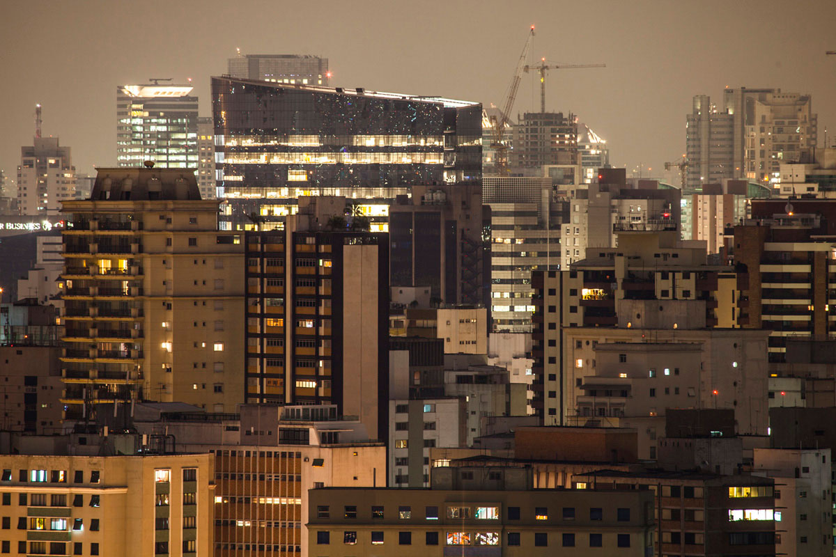 """City_scape I"" em f/8 30"" ISO100 @ 400mm."