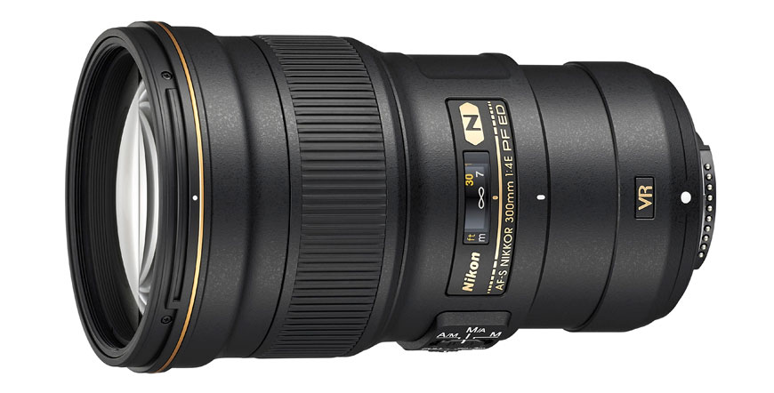 A Nikon AF-S Nikkor 300mm f/4E PF ED VR: 30% menor que a antecessora. [Créditos: Nikon USA]