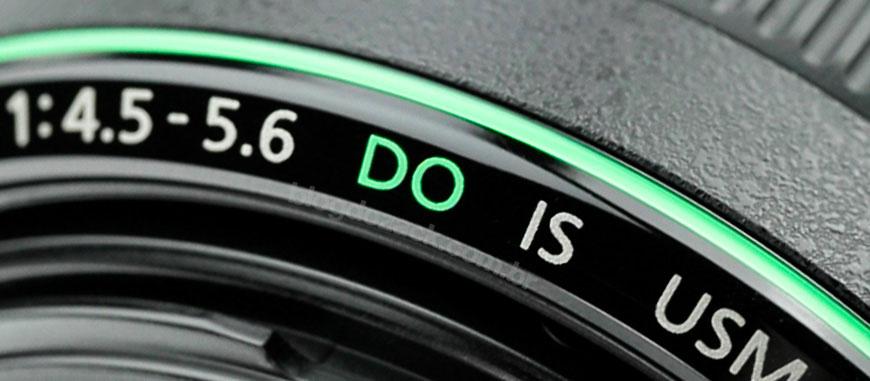 """O exótico anel verde das """"diffractive optics""""; só três lentes da linha usam esta tecnologia."""