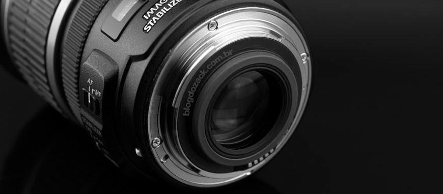 O mount EF-S tem uma borracha que permite a lente chegar mais perto do sensor, e não montar nas full frame.