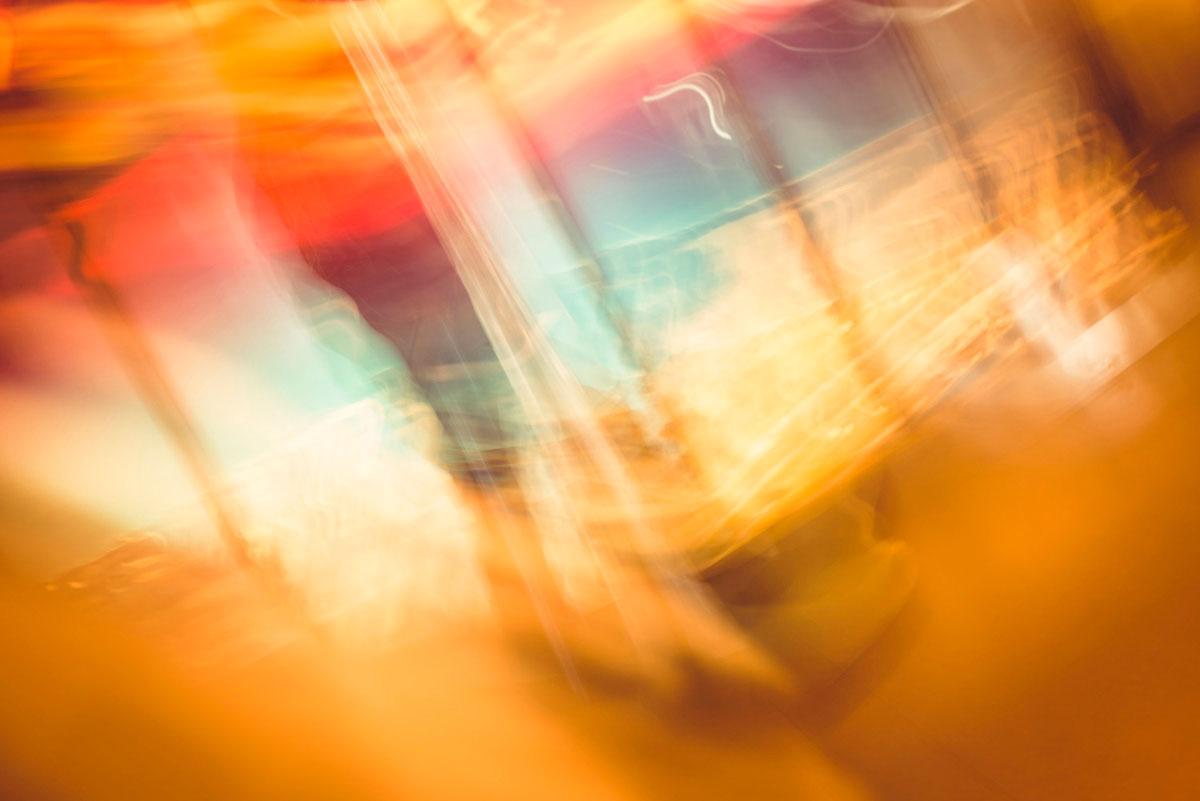 """""""Light Streaks"""" em f/6.3 0.60 ISO100; cores são saturadas diretamente da câmera."""