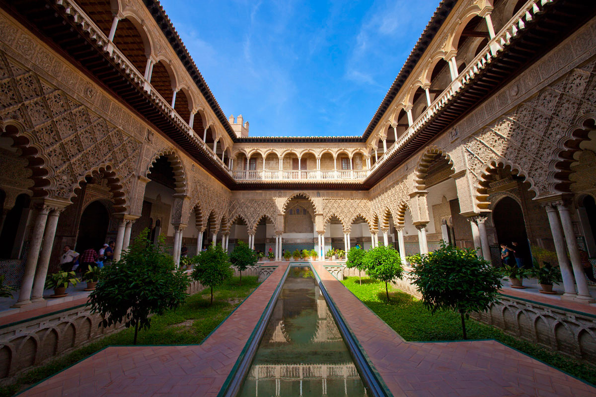"""Patio de las Doncellas"" em f/8 1/125 ISO100 @ 12mm."