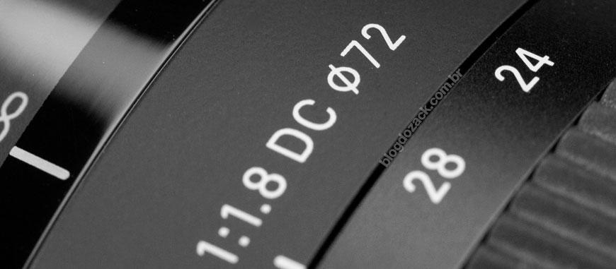 """DC são as lentes """"APS-C"""" da Sigma, como a zoom 18-35mm f/1.8 HSM."""