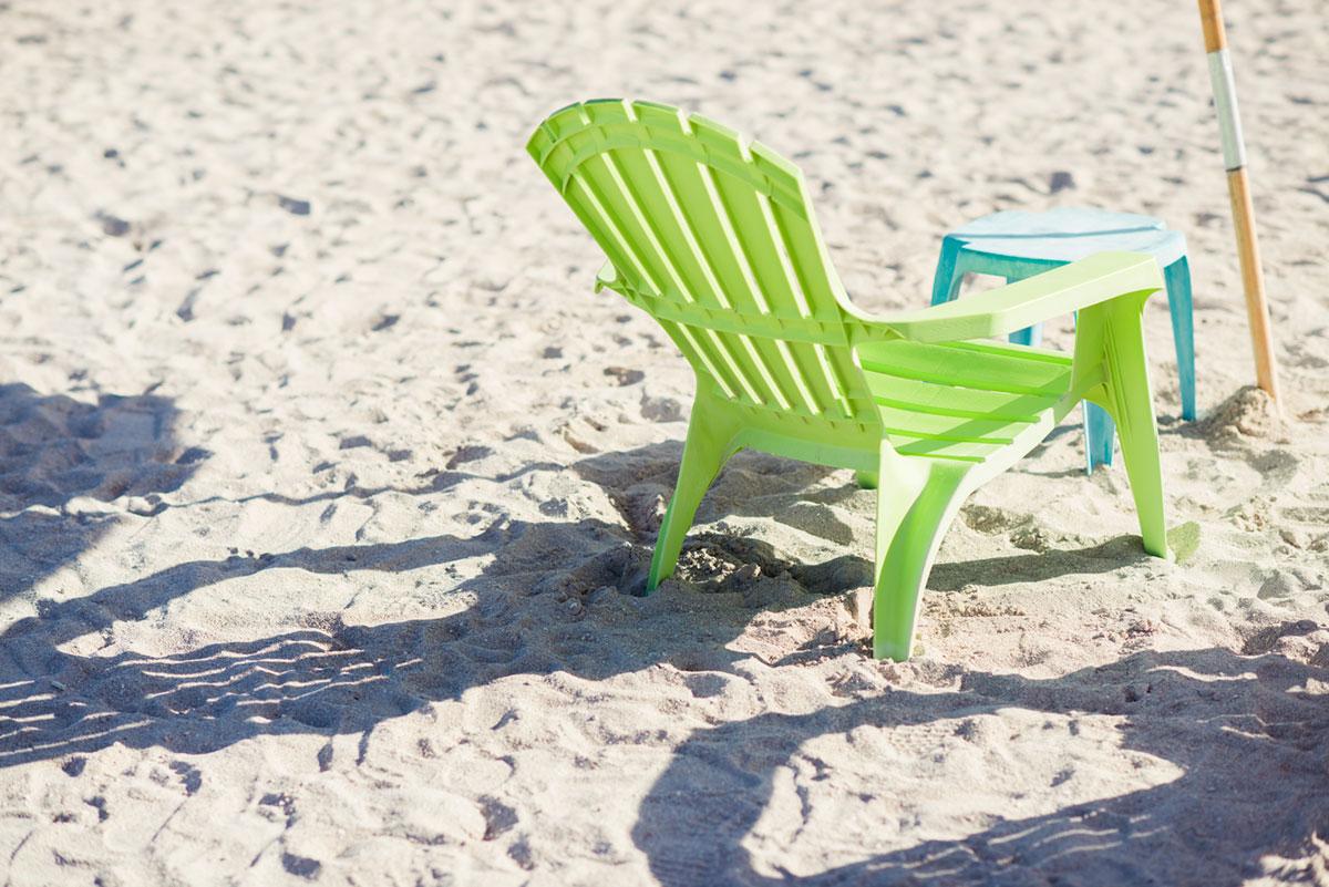 """""""Cadeira na areia"""" em f/2.8 1/2000 ISO100."""