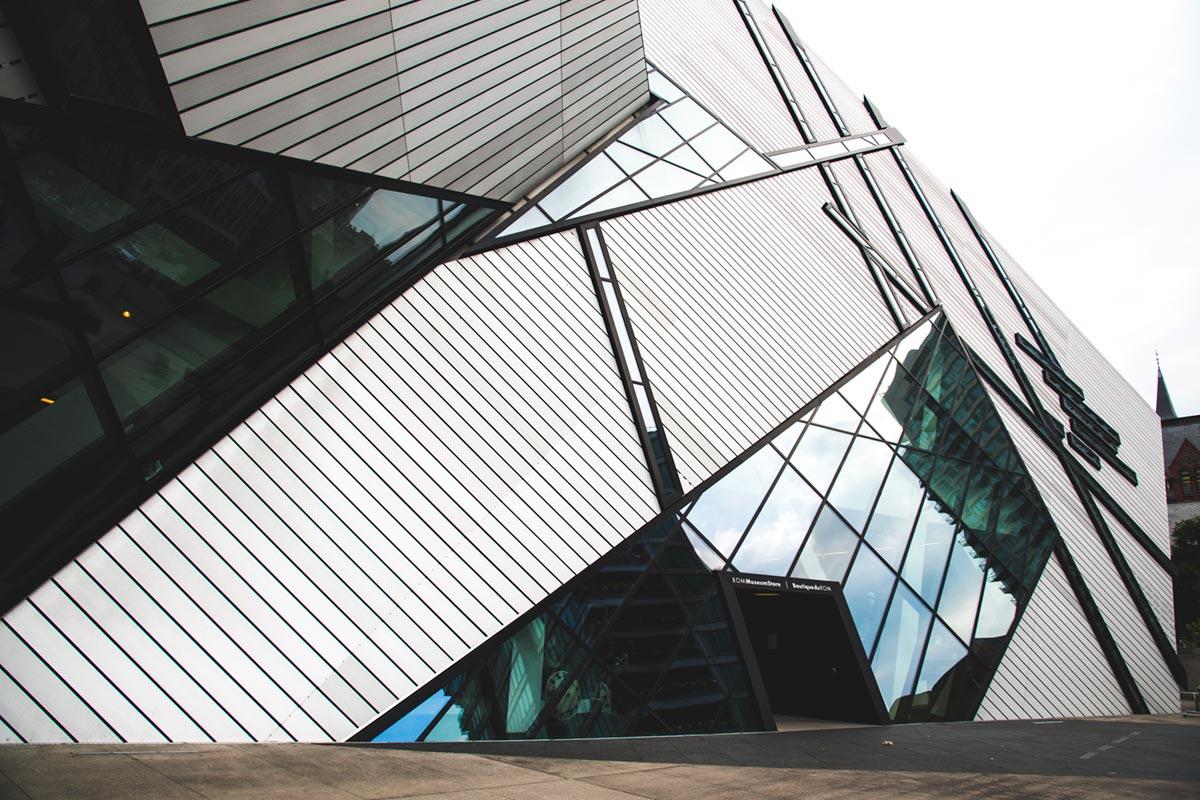 """""""Royal Ontario Museum"""" com a D800E em f/8 1/400 ISO400 @ 24mm."""