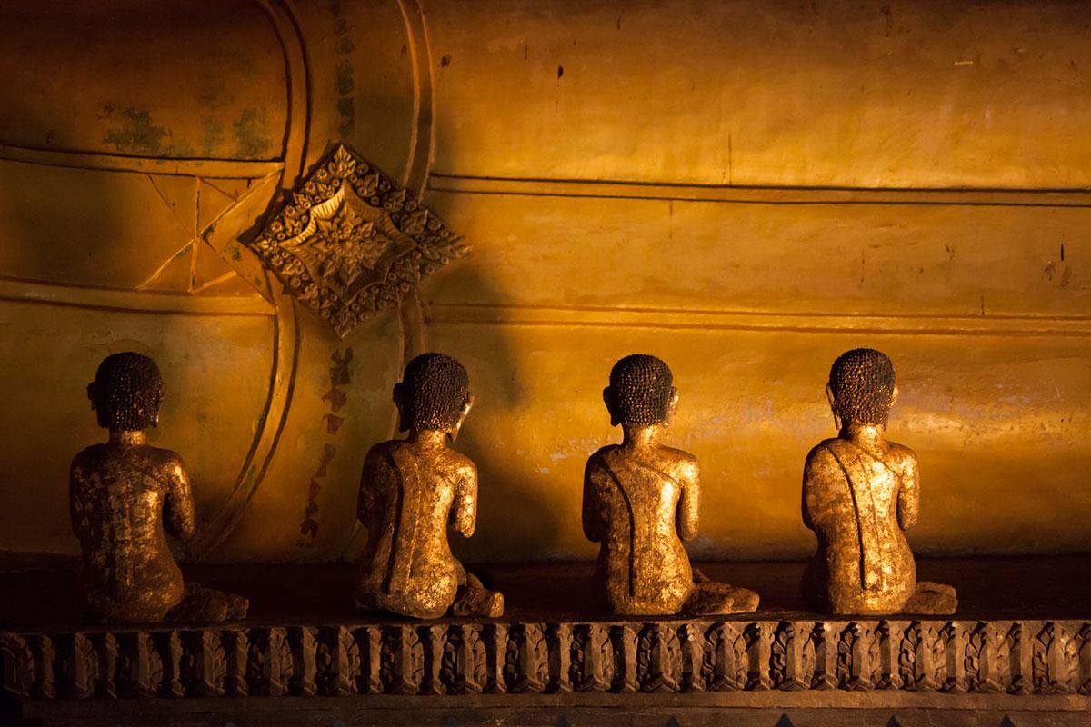 """Wat Tham Suwan Khuha"" em f/4.5 1/90 ISO3200 @ 115mm."