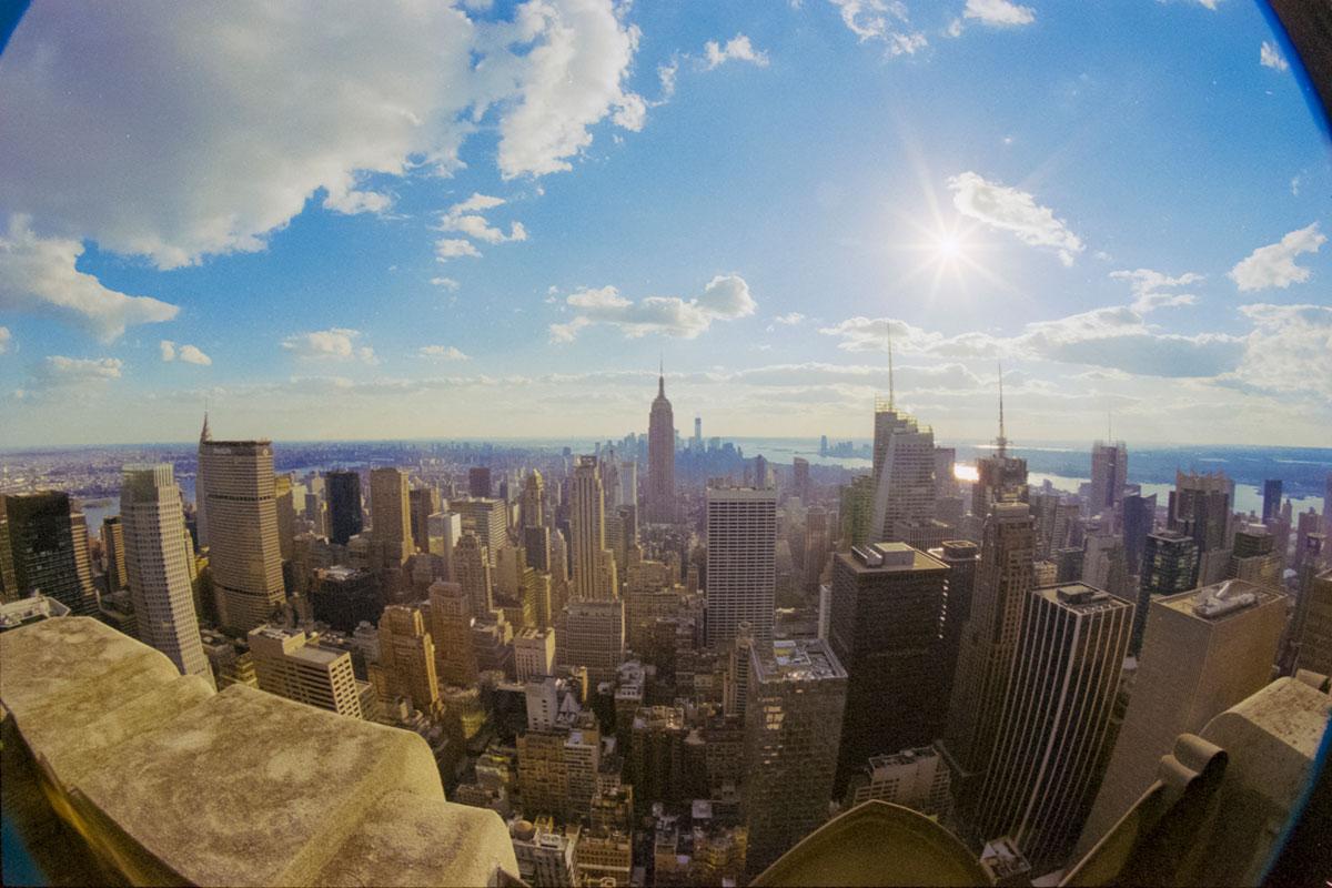 """""""Manhattan"""" com a ELAN 7E + Kodak Portra 800 em f/16 1/500."""