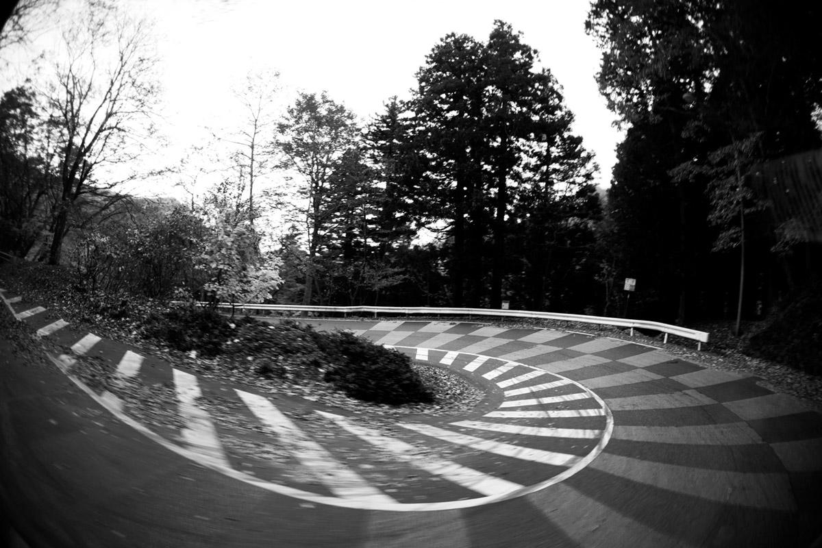 """""""Estrada"""" com a 5D Mark II em f/2.8 1/25 ISO400, bacana para fotos fáceis com tudo em foco."""