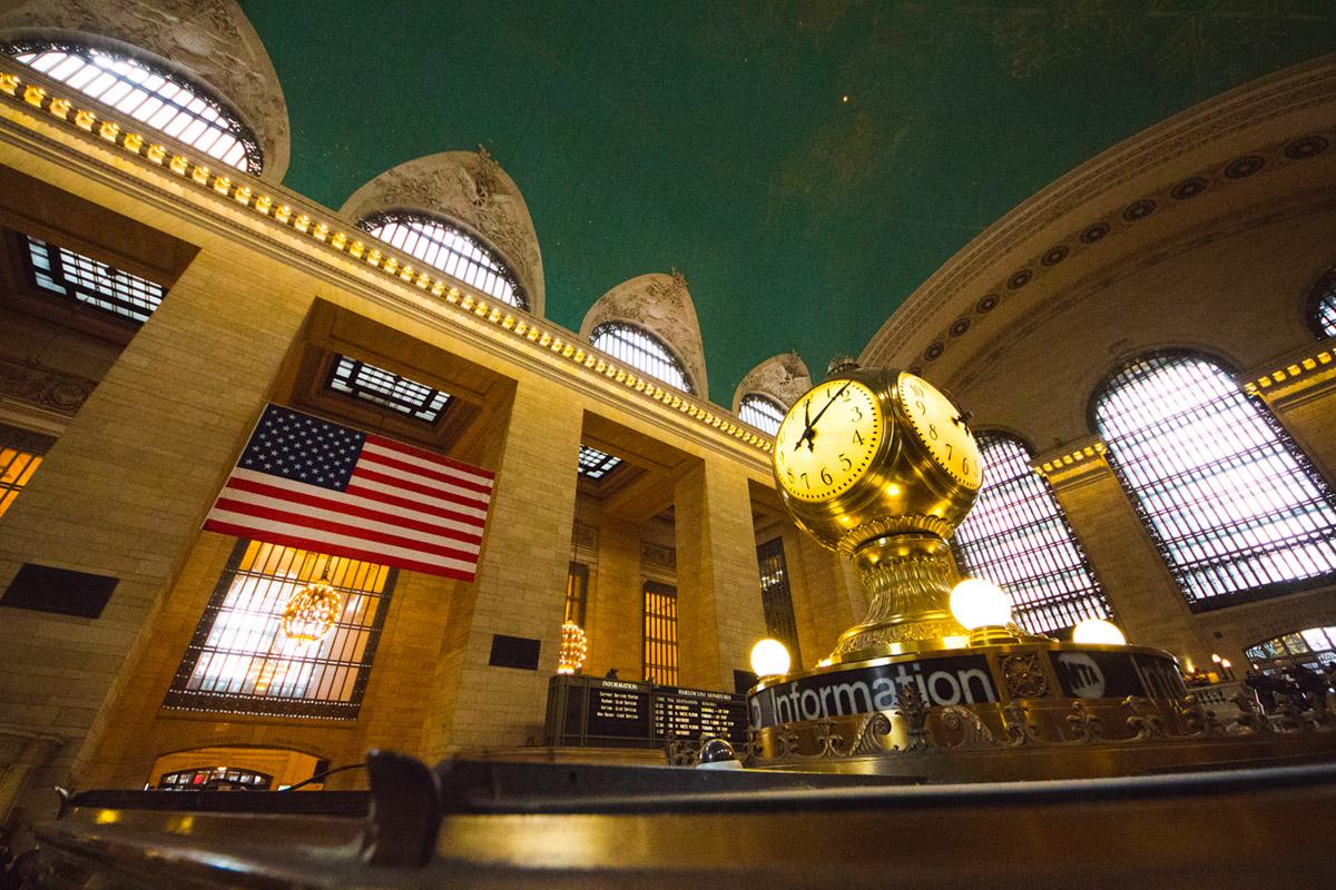 """Grand Central"" em f/4.5 1/180 ISO3200 @ 8mm."