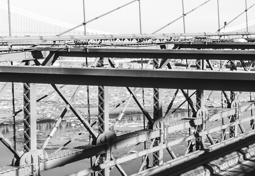 Crop 100%, todos os parafusos da ponte. :-D