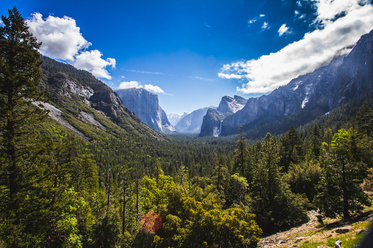 """Yosemite"" em f/11 1/90 ISO100 @ 10mm."