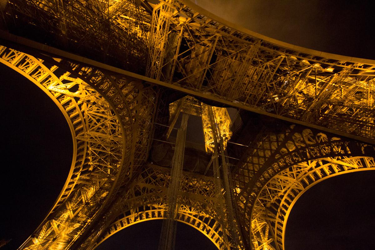 """""""La Tour Eiffel II """" em f/3.5 1/30 ISO3200 @ 10mm."""
