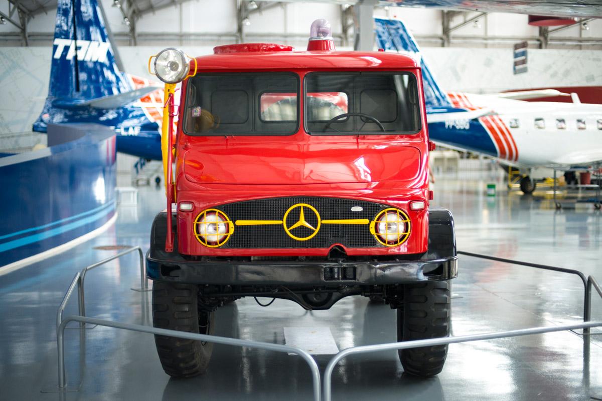 """""""Caminhão dos bombeiros"""" em f/1.4 1/500 ISO800."""