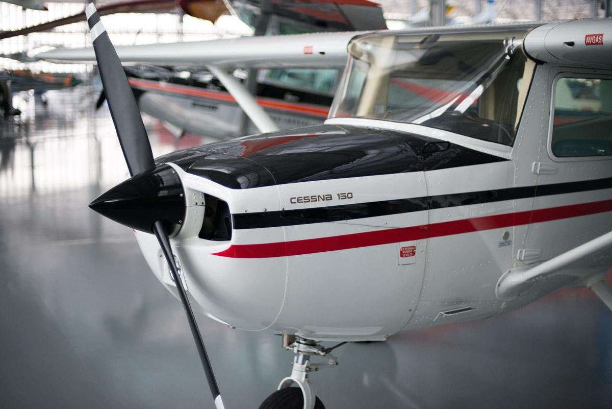 """""""Cessna 150"""" em f/1.4 1/350 ISO800."""