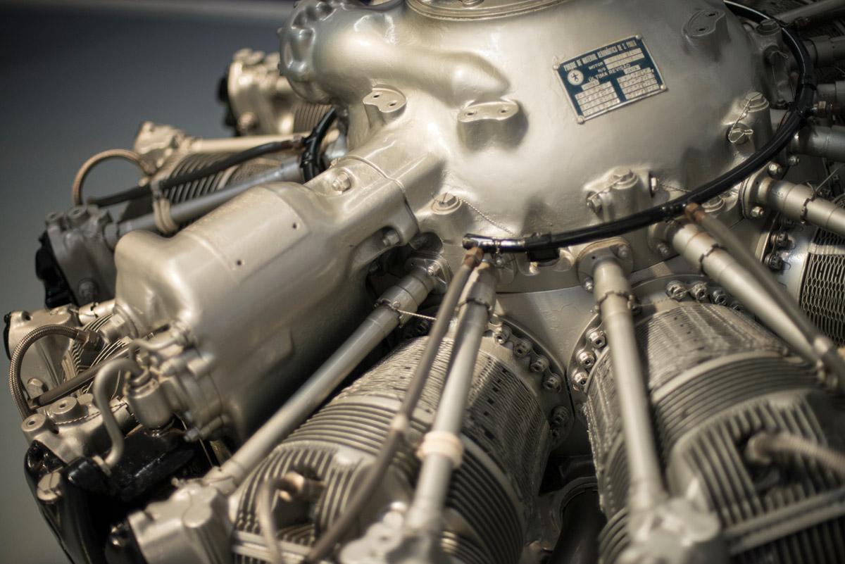 """""""Motor"""" em f/1.4 1/750 ISO800."""