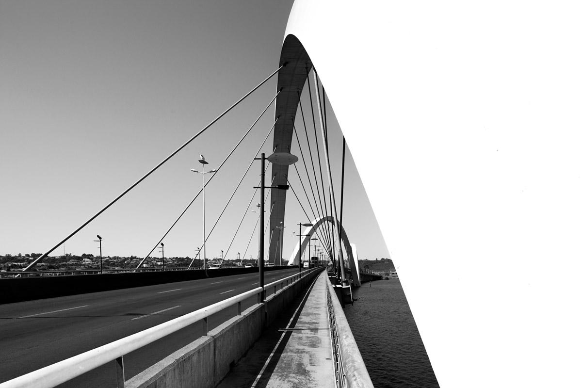 """""""Ponte Juscelino Kubitschek"""" em f/8 1/640 ISO160."""