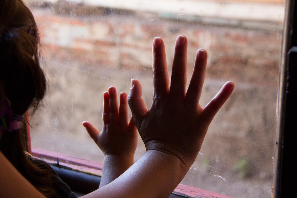 """""""Mãos"""" em f/5 1/60 ISO1000 @ 50mm."""