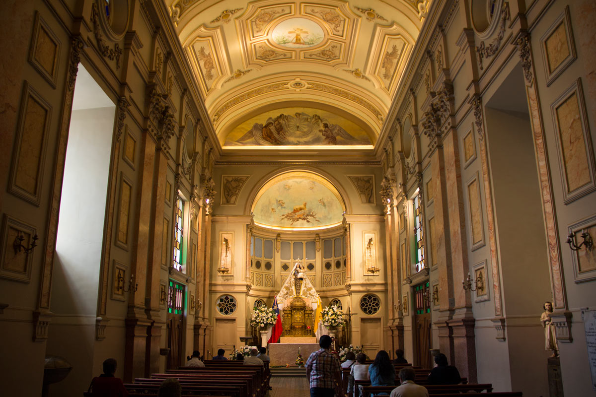 """""""Igreja"""" em f/3.5 1/40 ISO400 @ 18mm."""