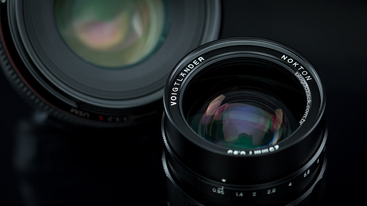 Voigtländer Nokton 25mm f/0.95 Canon EF 50mm f/1.2L USM