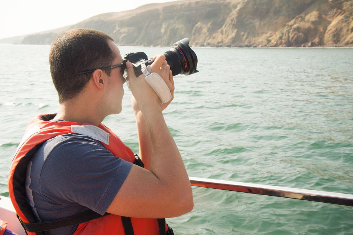Zack com um óculos polarizado neeem percebeu os reflexos no viewfinder.