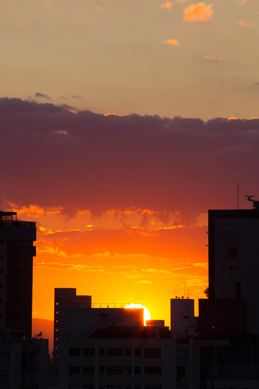 """""""São Paulo"""" com a EOS 6D em f/13 1/45 ISO100 @ 300mm; exposição sem tripé, só com o estabilizador."""
