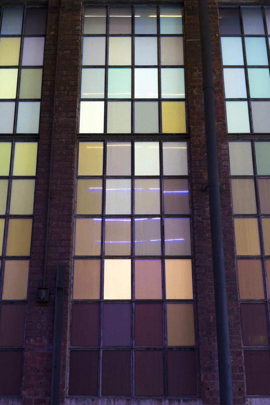 """""""Pastel"""" em f/8 1/60 ISO1600; ou as cores saem pastel, completamente desequilibradas."""