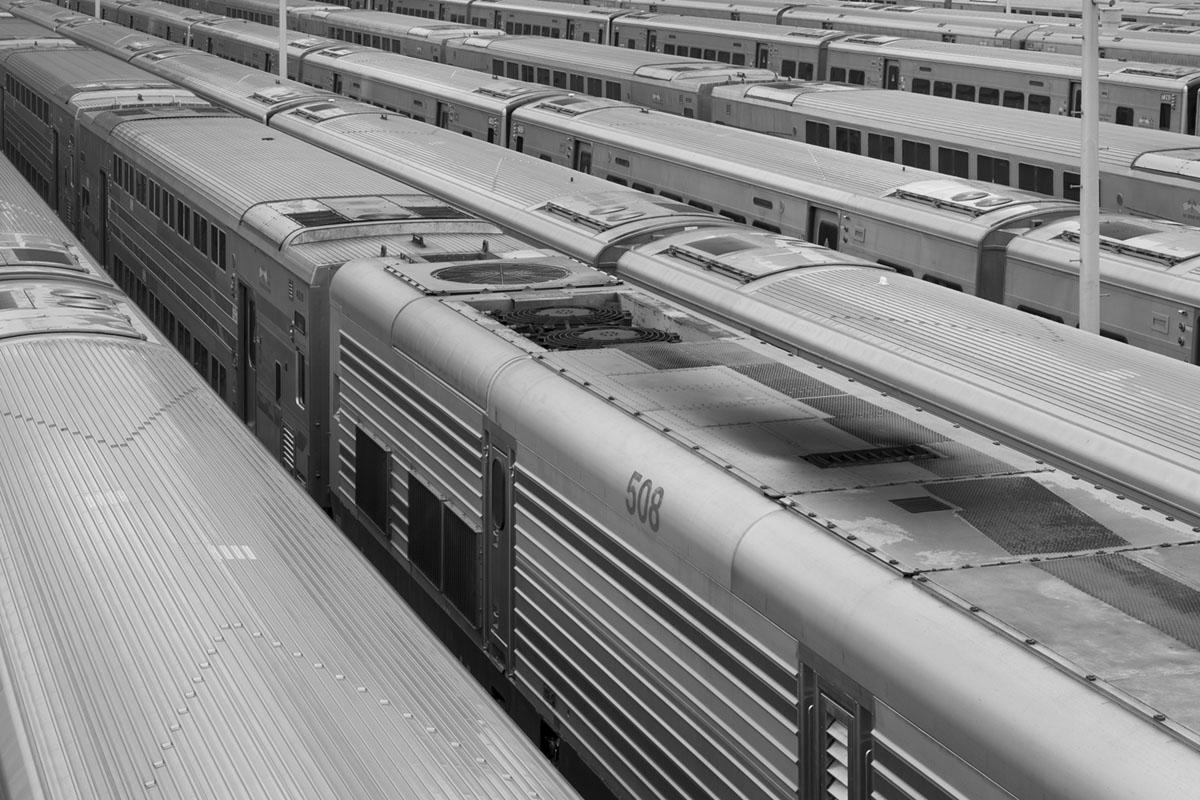 """""""Trens"""" em f/8 1/1250 ISO100; contraste para trabalhar com linhas."""