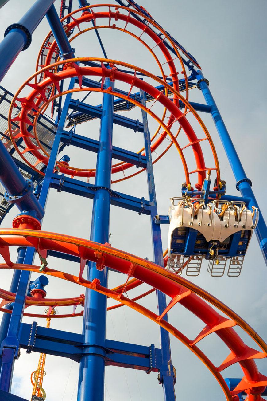 """""""Soarin' Eagle"""" em f/8 1/500 ISO400; laranja com azul, o Exmor consegue!"""