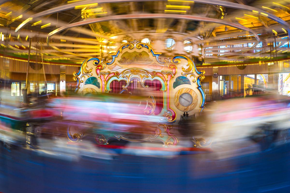 """""""Carousel"""" com a A7II + FE 28mm f/2 em f/14 1/3 ISO100; longa exposição criativa, sem tripé."""