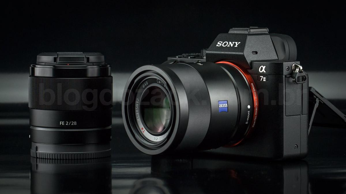 O kit testado pelo blog do zack: A7II + FE 55mm f/1.8 ZA + FE 28mm f/2; funciona bem!